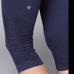 Deep Blue Lulu lemon cropped leggings